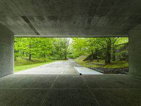 緑の中の美術館・軽井沢「セゾン現代美術館」のここが凄い!