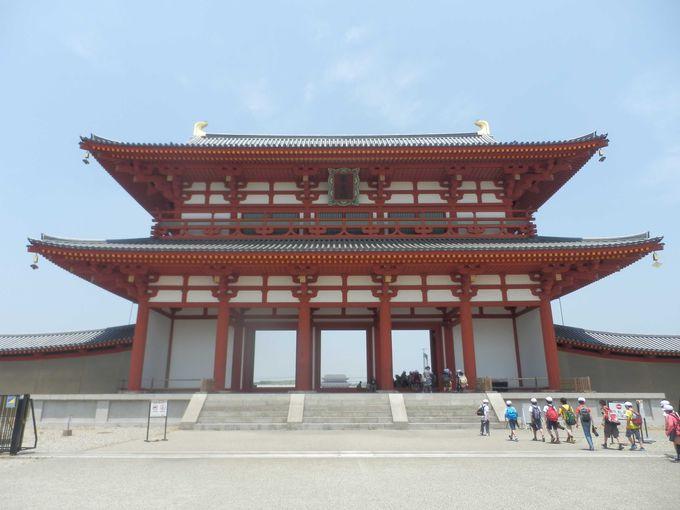 平城京の中軸をなす朱雀門