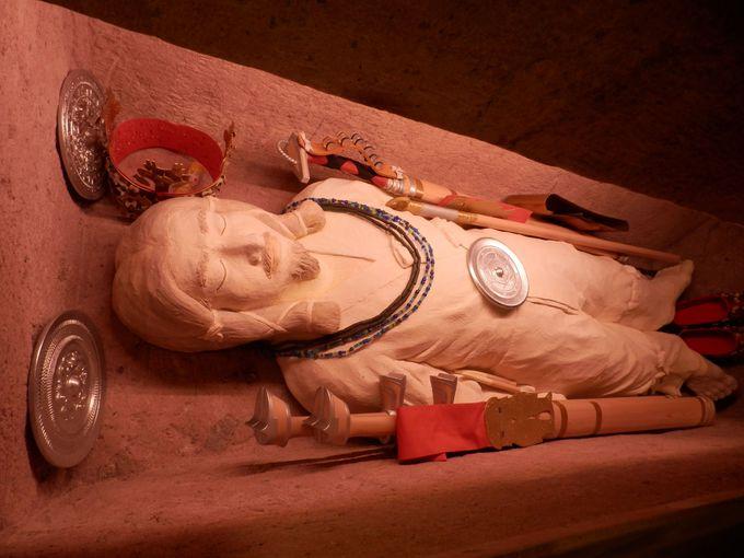 継体天皇の御遺体?!再現された今城塚古墳の被葬者像