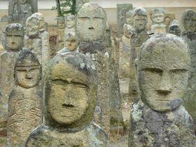 日本版モアイ!?変顔続出の兵庫県加西市・北条の五百羅漢