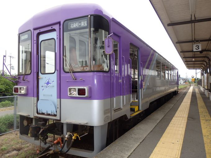 粟生駅—北条町駅間を走行する1車両のワンマン列車