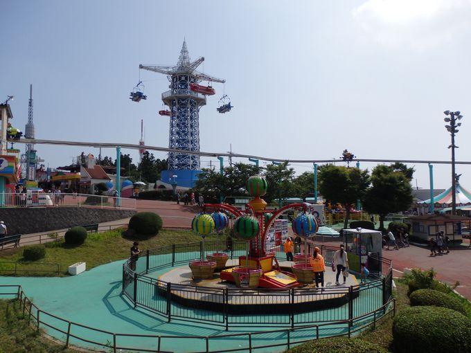 ユニークなケーブルで山上へ「生駒山上遊園地」