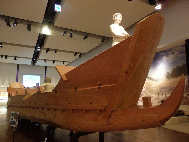 古代の海を行き来!巨大な木造復元船ヒボコ