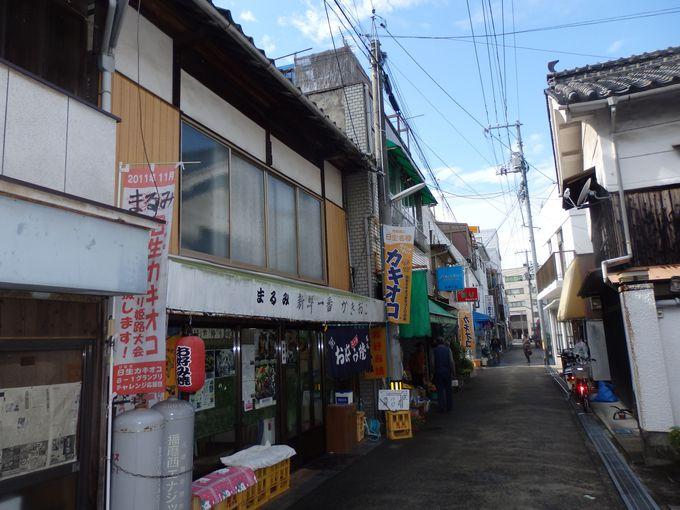 街中もぶらりと散策!カキオコのお店が並ぶ中心街