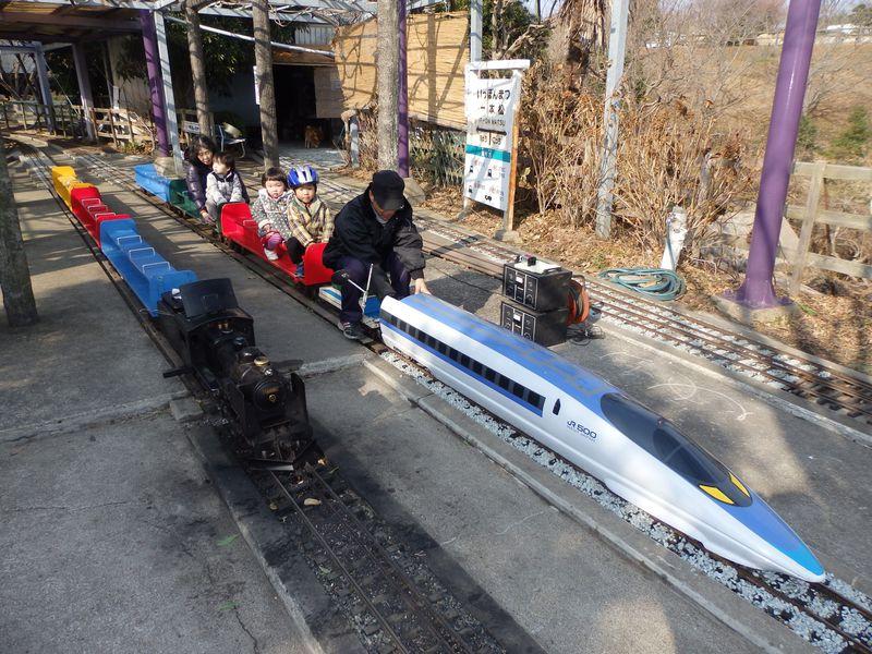 瀬戸内海の絶景とミニ鉄道を満喫!岡山・道の駅一本松展望園