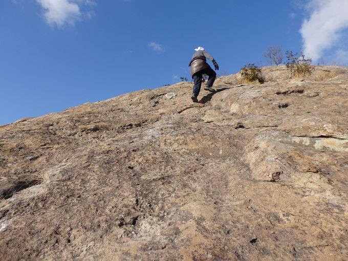 ロッククライミング!巨大な一枚岩の百間岩