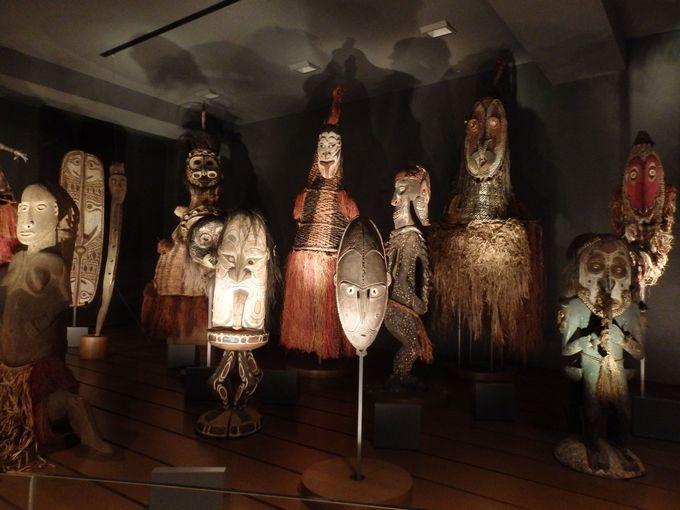 奇怪な造型の数々!パプアニューギニアの精霊像