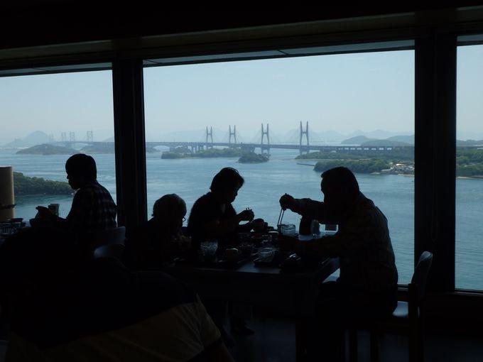 食事をとりながら瀬戸内海を眺めるのもよし!鷲羽山レストハウスからの眺め
