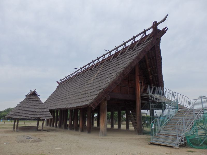最大級の弥生大型建物に圧倒!大阪府泉南地域の池上曽根遺跡