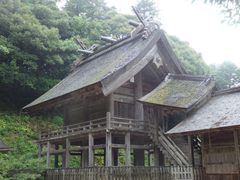 出雲大社本殿と比較しよう!島根・神魂神社ならではの建築美