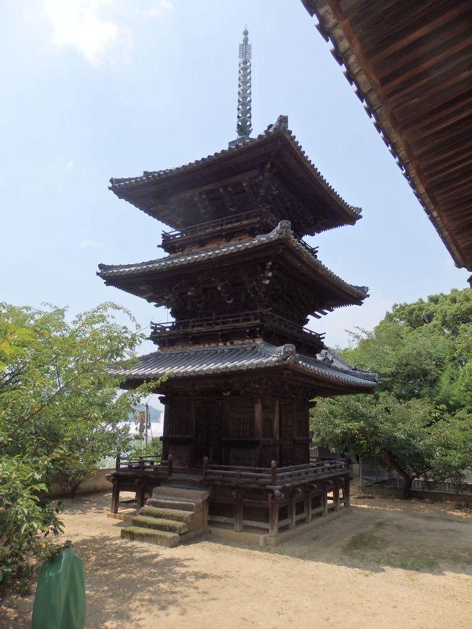 こちらは県指定の重要文化財!江戸時代に建立された三重塔