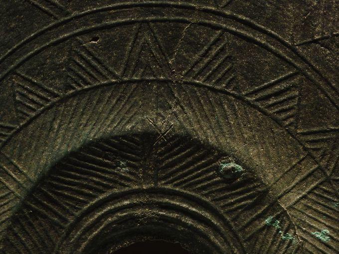 古代出雲世界ならでは!銅鐸や銅剣に刻まれた謎の「×」