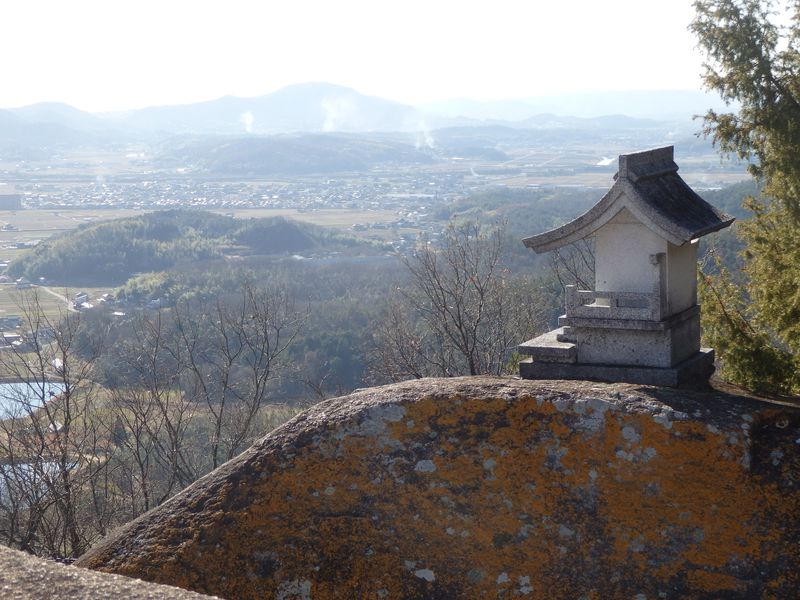 巨石がゴロゴロ!絶景も楽しめる岡山・最上稲荷奥の院への道