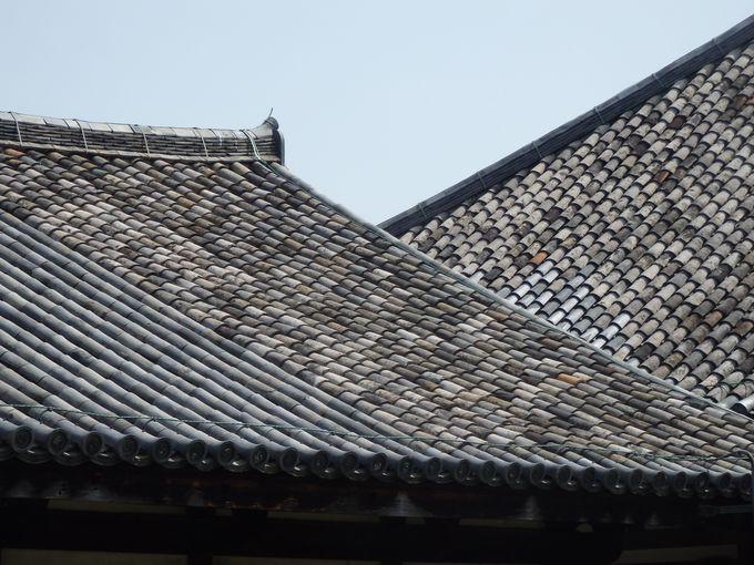 飛鳥時代の屋根瓦は必見!禅室および極楽堂の屋根