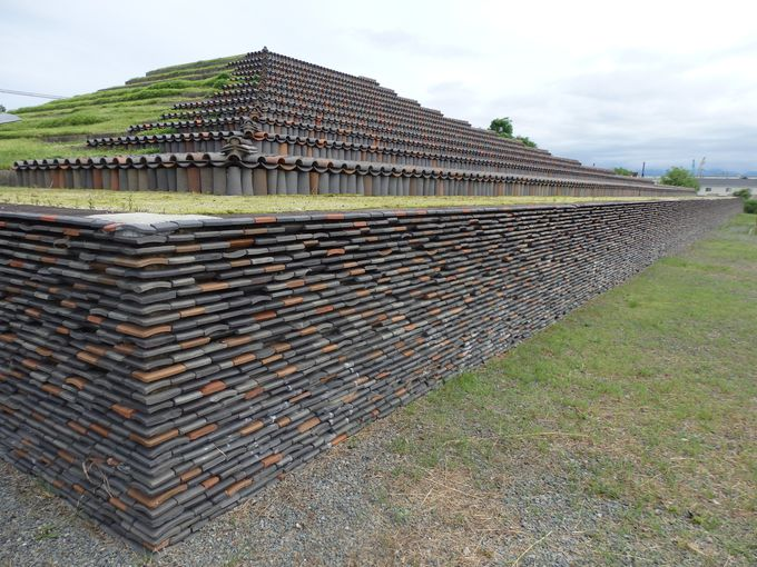 高僧・行基ゆかりの仏塔!奈良時代に築かれた「土塔」