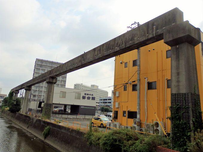 船場川沿いを歩こう!橋桁までしっかり残されている区間
