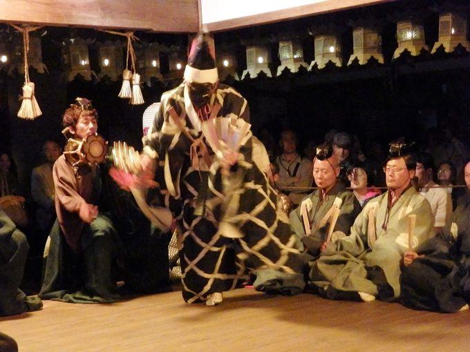 五穀豊穣を祈る三番叟の舞