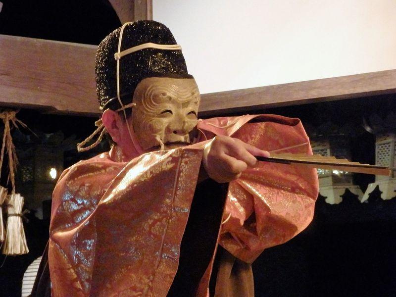 能楽の原点!中世芸能の形態を残す 奈良豆比古神社「翁舞」
