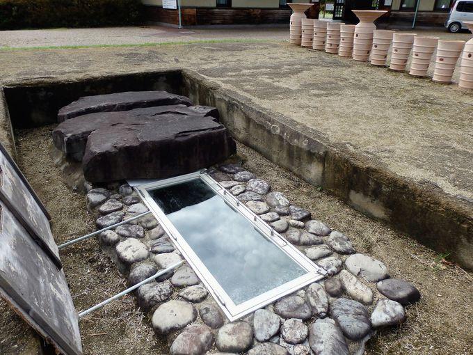 復元された竪穴式石室