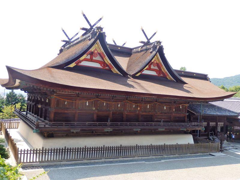全国屈指の特異な国宝建造物!岡山県・吉備津神社本殿は豪壮そのもの