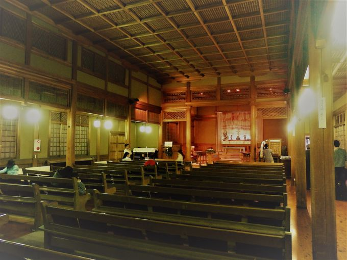 古都・奈良にふさわしい教会!国の重要文化財に指定されている礼拝堂の内部