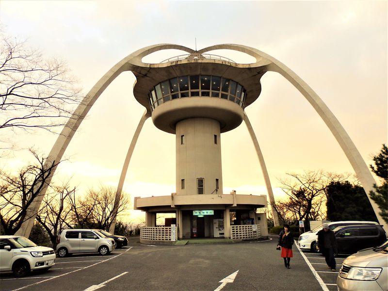 祝存続!くるくるまわる兵庫県・手柄山中央公園の回転展望台