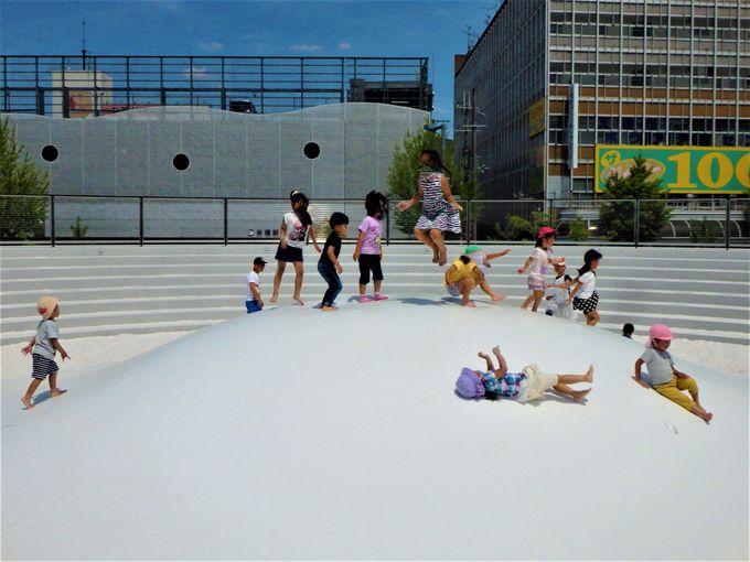 お子さまたちは大喜び!遊戯施設としての役割を持つ「ふわふわコフン」