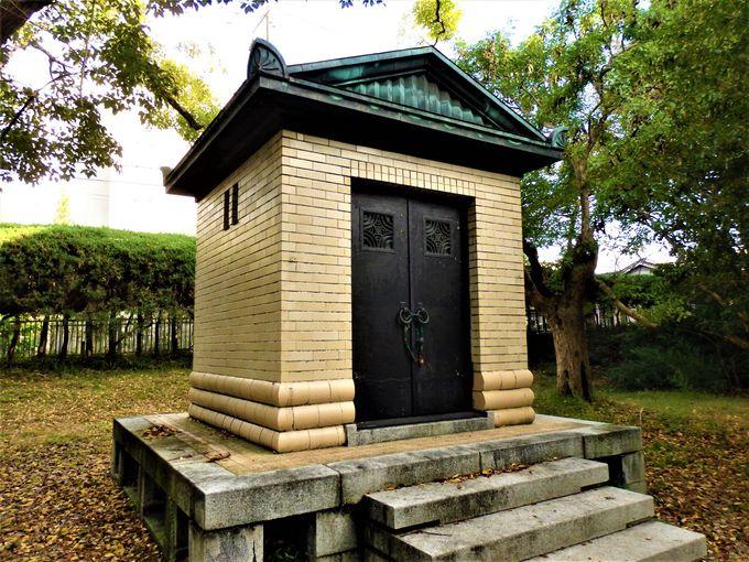 記念館だけじゃない!重要文化財に指定されている正門と守衛室