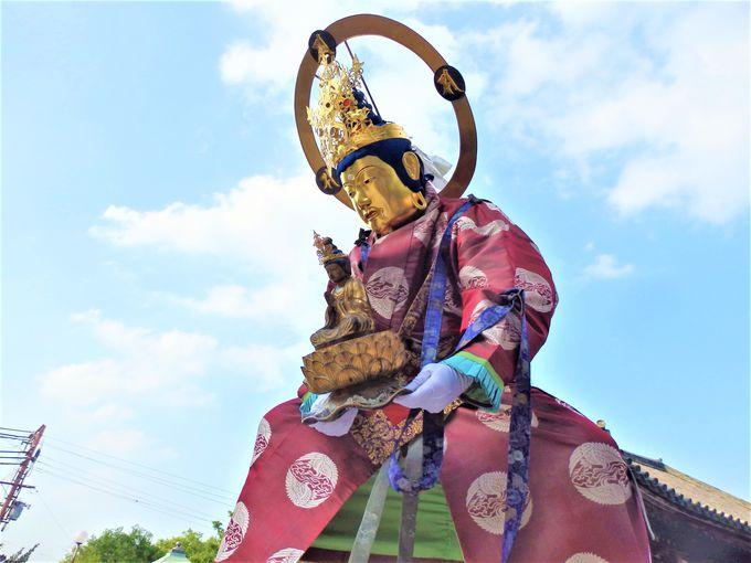 中将姫をともなって極楽浄土へと戻っていく一行