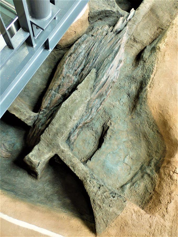 発掘調査時の姿をそのまま保存・展示している遺構展示情報館