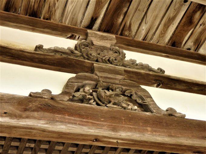 油日神社を代表する景観!珍しい伝承をいまに伝える楼門