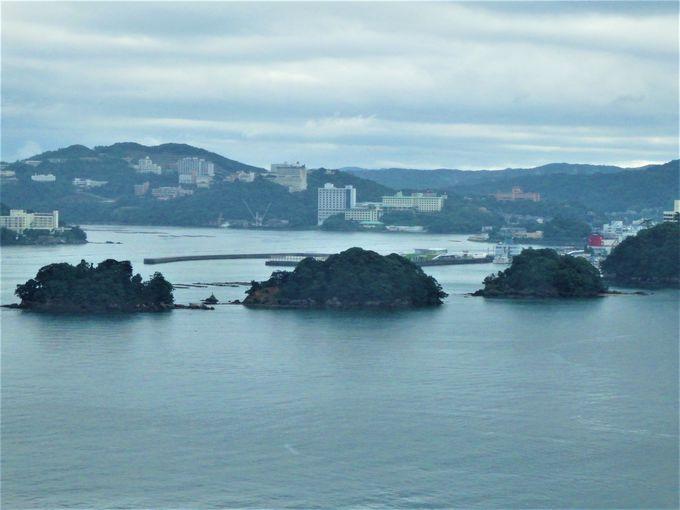 寄港地となっているイルカ島(日向島)