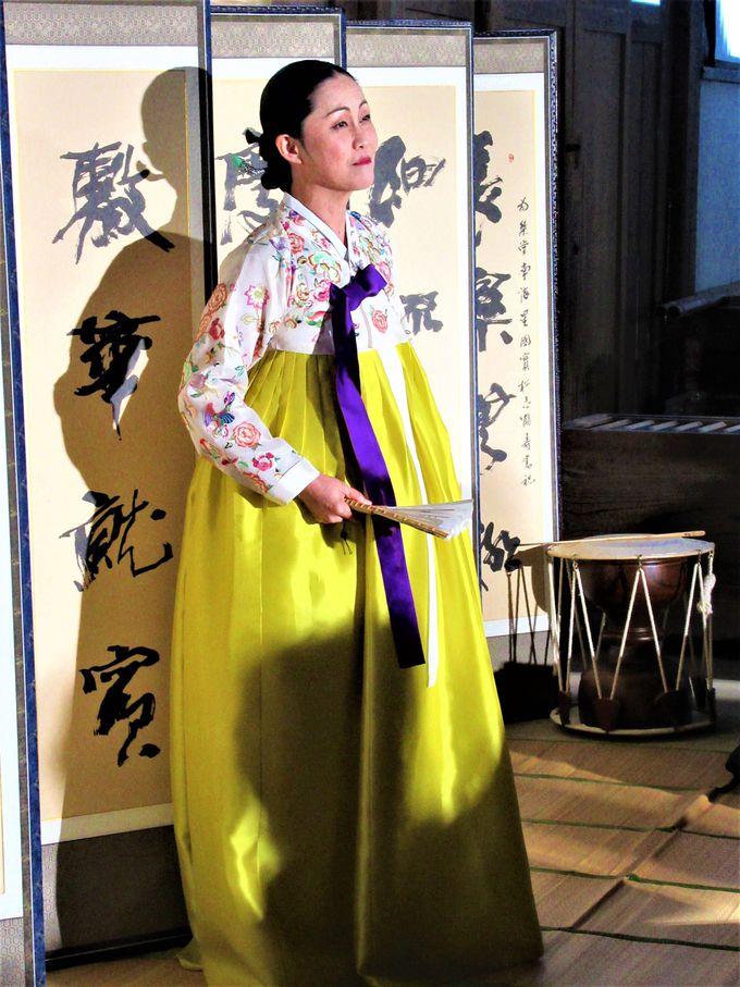 韓式の民族衣装や楽器
