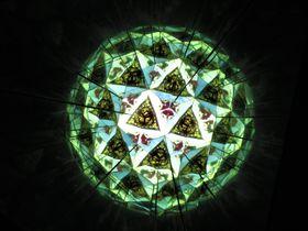 めくるめく世界にようこそ!滋賀県長浜市「竪型万華鏡」