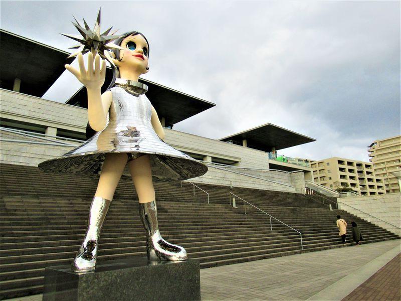 屋外アートを楽しもう!兵庫県立美術館で現代アートを満喫