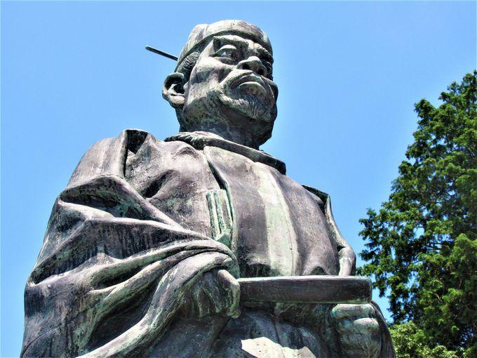 さんぶたろうのモデル!?菅原満佐の銅像