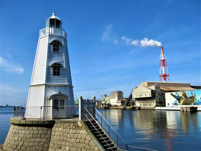 現存する日本最古の木造洋式灯台「旧堺燈台」
