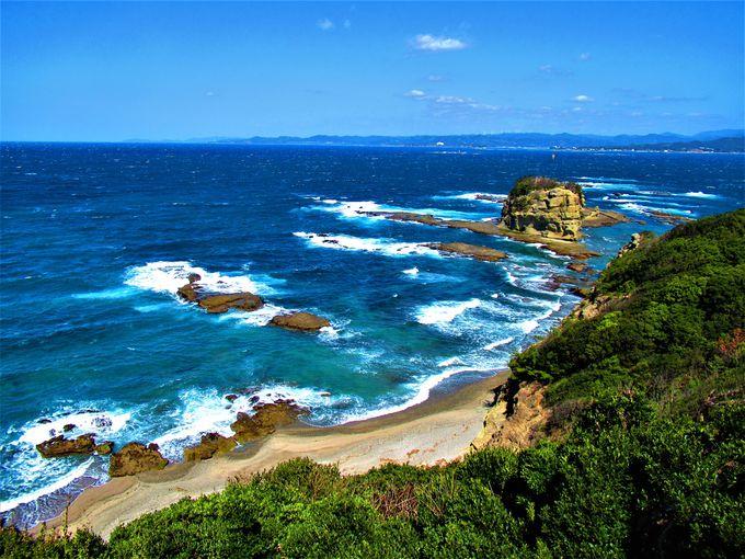 海の青さを実感しよう!海辺の風景