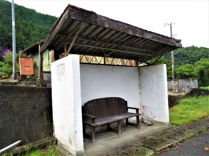 バス専用道路時代の遺構も残す「生子トンネル」