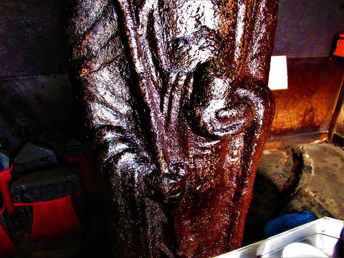 油掛地蔵尊の全体像