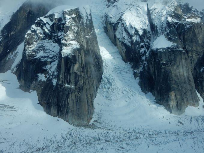 圧倒的なスケールの氷河へ