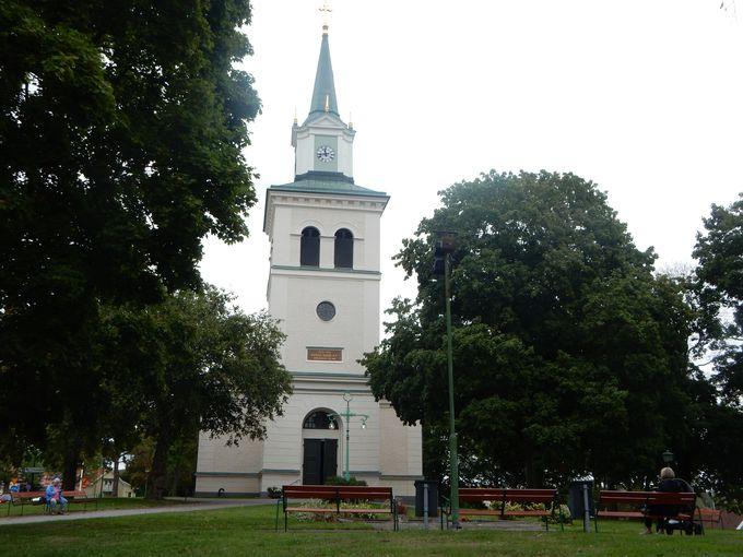 ヴィンメルビー教会、そしてリンドグレーンのお墓へ