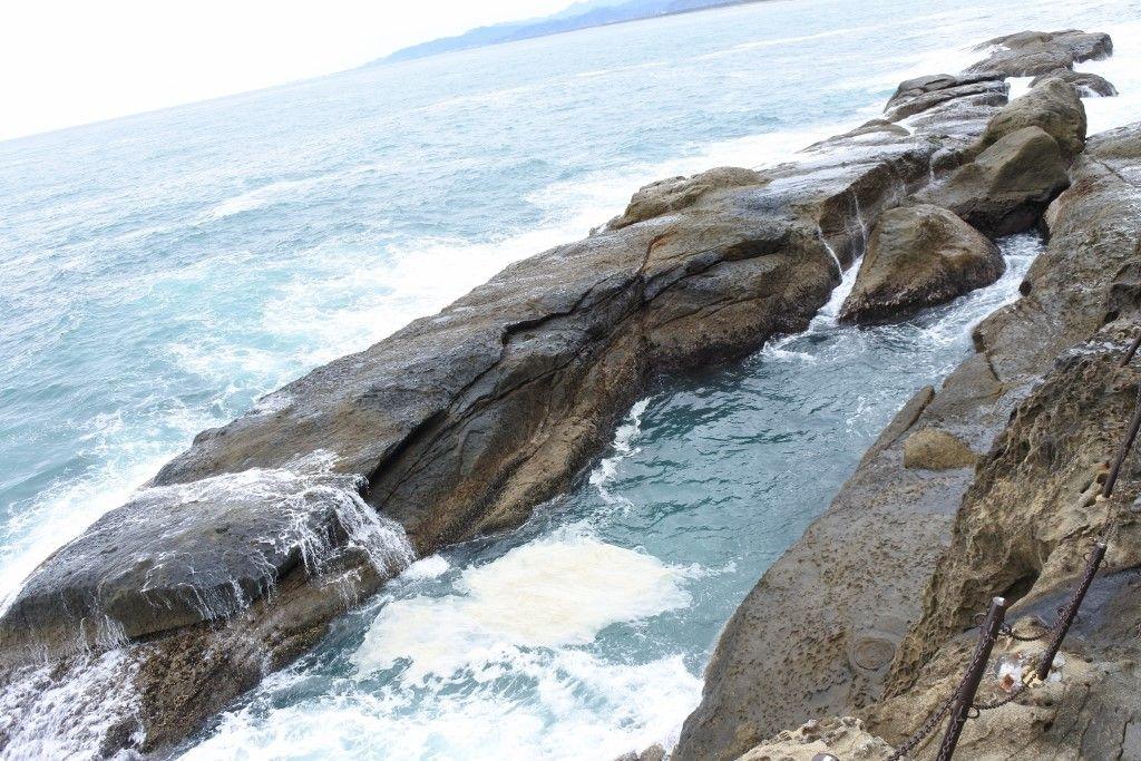「神楽岩」に「鰐岩」、次々現れる奇岩