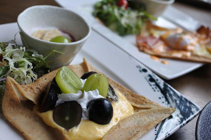 和室にベッド、イタリアンにお蕎麦の和洋折衷!