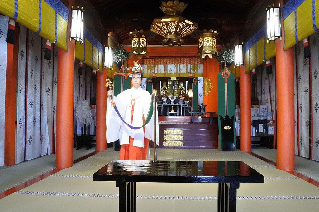 熊野那智大社正式参拝では本殿へのお参りも