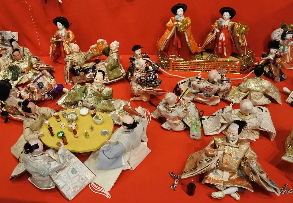 見れば見るほど発見のある人形たち