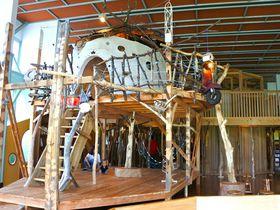 廃校に子供の歓声が再び!秋田「鳥海山 木のおもちゃ美術館」