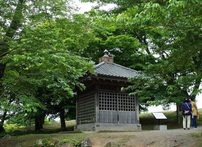 松尾芭蕉が感動した「壺碑」もここに