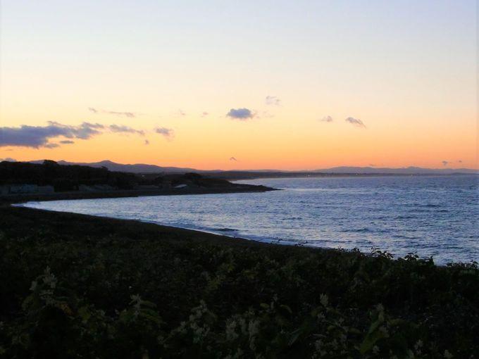 日の出、日の入がきれい!近くには岬展望台も!