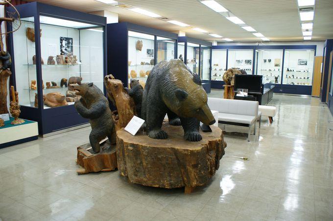 あの木彫り熊は八雲町が発祥!木彫り熊資料館